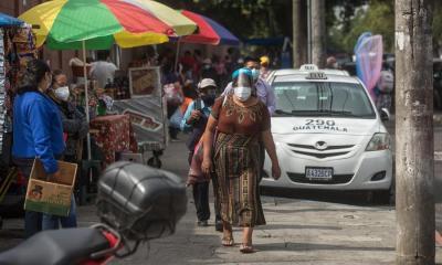 Guatemala suma 45 mil 309 casos positivos y 1 mil 761 decesos, 27 de ellos en las últimas 24 horas. (Foto: EFE)