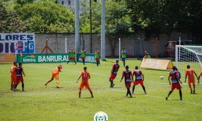 Achuapa derrotó a Municipal con un gol de Juliano Rangel a los 87 minutos del partido, en el estadio Manuel Ariza. (Twitter Deportivo Achuapa)
