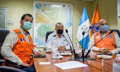 El presidente Alejandro Giammattei declaró alerta roja en seis departamentos, debido al paso de la tormenta Nana. (Foto: CONRED)