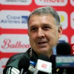 Gerardo Martino, técnico de la Selección de México, anunció la lista para l juego contra Guatemala, el próximo miércoles 30 en el Estadio Azteca. (Foto: EFE)