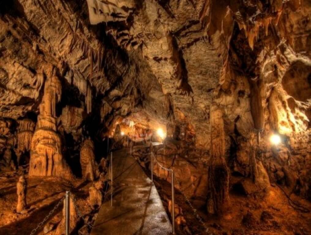 Biserujka Cave