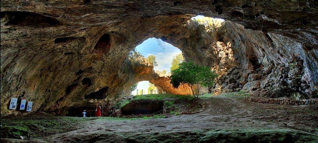 Vela Cave