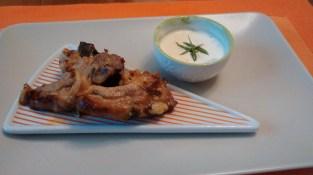 Costolette d'Agnello marinate con salsa allo yogurt