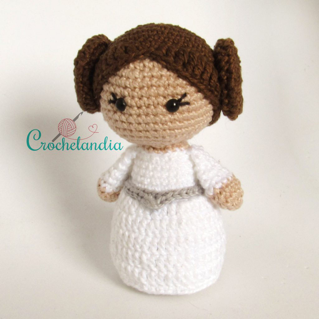 Toy Art Princesa Leia Amigurumi