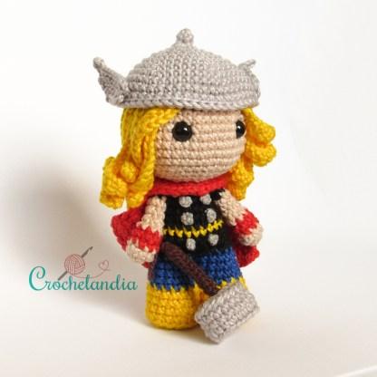 Toy Art Amigurumi Thor - by Crochelandia