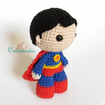 Toy Art Amigurumi Superman - by Crochelandia