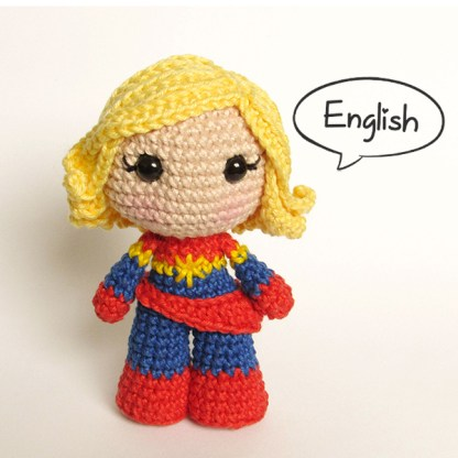 Toy Art Amigurumi Captain Marvel - by Crochelandia