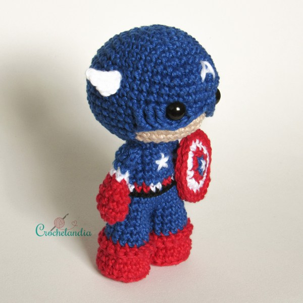 Toy Art Amigurumi Capitão América - by Crochelandia