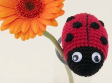 Free crochet pattern, Spot the Ladybug. Ideal beginner amigurumi crochet pattern.