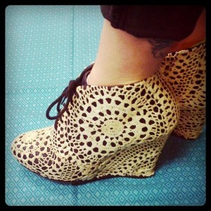 cro doily shoes 0213