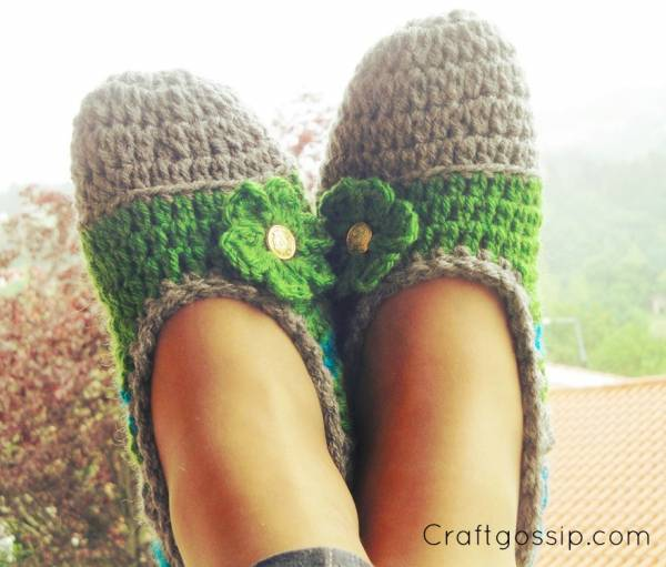 free-crochet-slippers-flats-fun-fast-modern-easy-craftgossip
