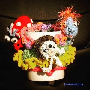 crochet cup amigurumi cozy