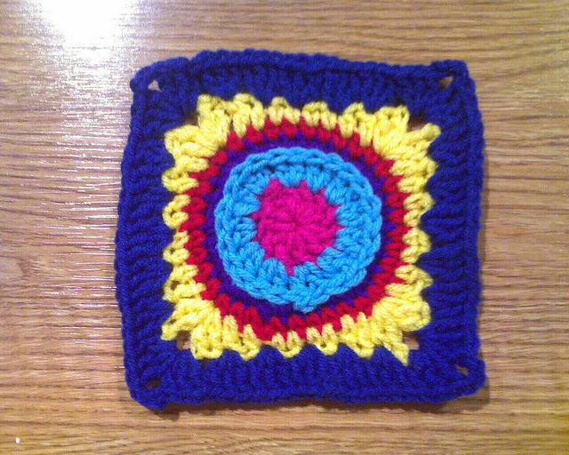 Crochet square E-6 made with a 5.0 mm crochet hook
