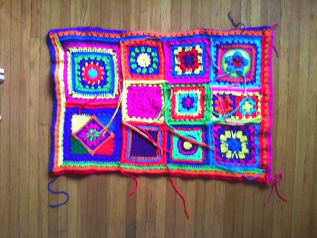 crochet granny squares with loose ends