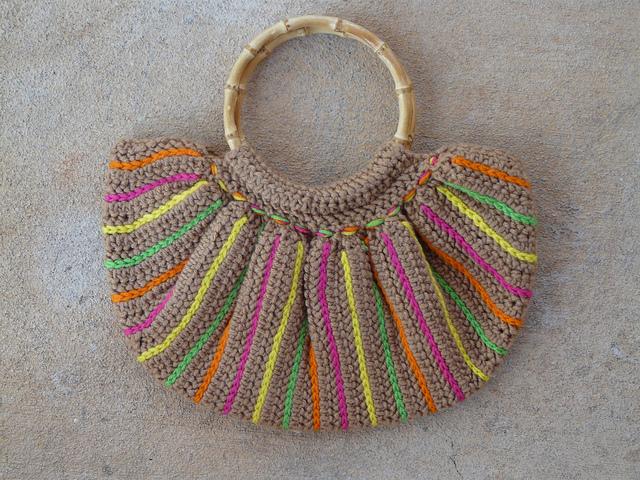 crochetbug, fat bottom crochet bag, crochet fat bag, crochet purse, tambour crochet