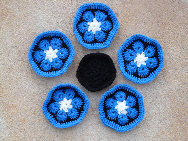 crochetbug, crochet soccer ball, crochet ball, crochet flowers, crochet hexagons, crochet pentagons, african flower crochet hexagon