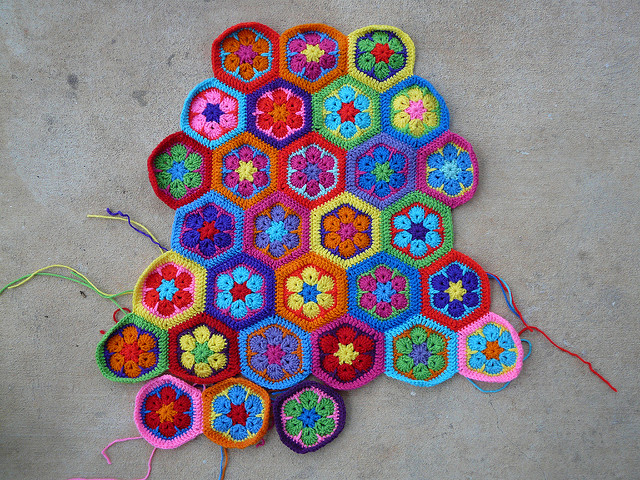 crochet hexagon motifs for a crochet mamy bag