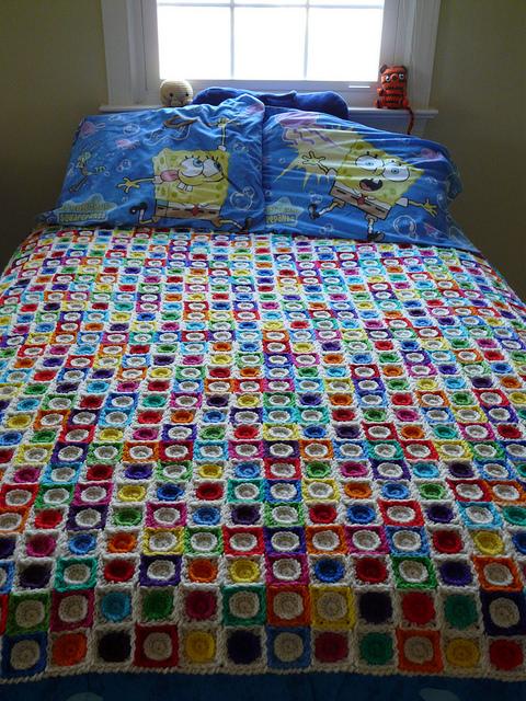 crochetbug, spongebob, crochet squares, crochet circles, crochet blanket, crochet throw, crochet afghan, crochet hilbert curve