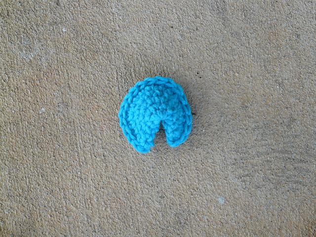 crochetbug, crochet cookie, amigurumi cookie, crochet fortune cookie,  amigurumi crochet cookie