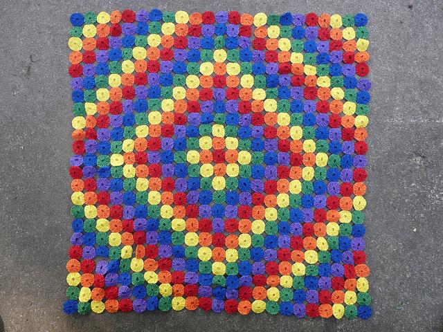 rainbow yo-yo quilt, crochetbug, circles