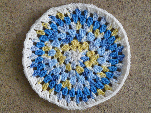 crochetbug, crochet circles, crochet pillow cover, crochet decor