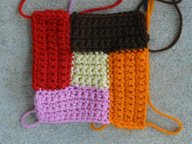 bauhaus block crochet square