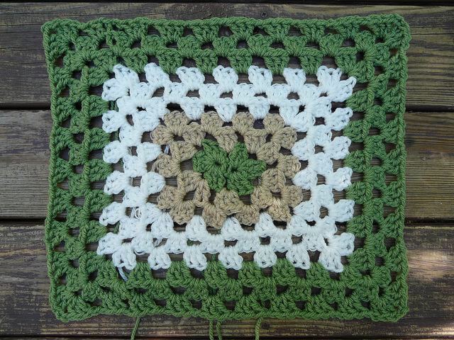 crochetbug, crochet foundation chain, crochet chain, crochet rectangle, granny rectangle