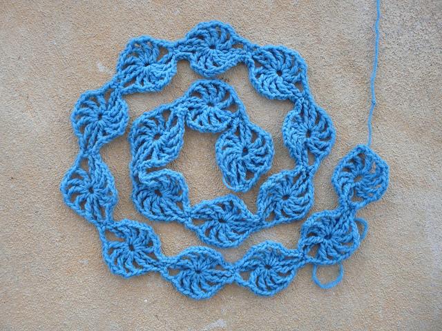 crochetbug, crochet scarf, may cheang, roda scarf, crochet motif