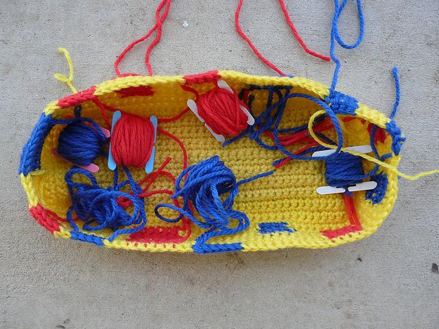 crochetbug, vintage yarn, crochet tote, crochet bag, use what you have
