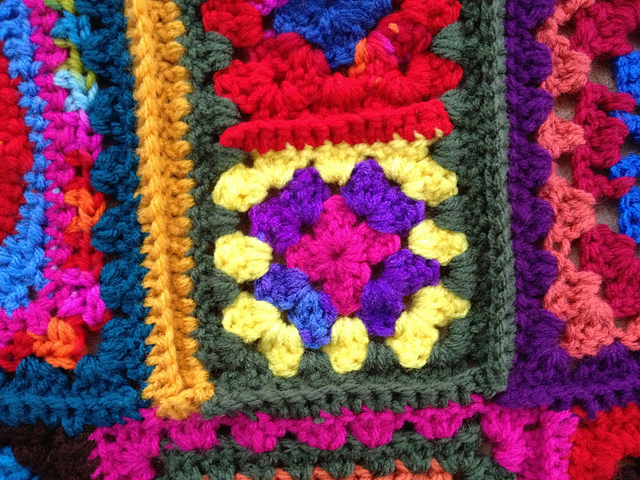 single crochet seam for a granny square crochet fat bag