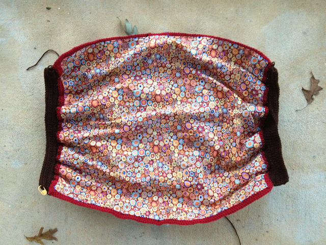 I gather the longer edges of the future unfelted fat bag