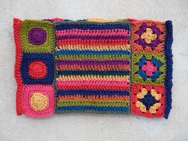 crochetbug, crochet ascot, crochet circles, granny squares, double crochet stripes, catherine wheel crochet stitch, crochet flower, crochet circles
