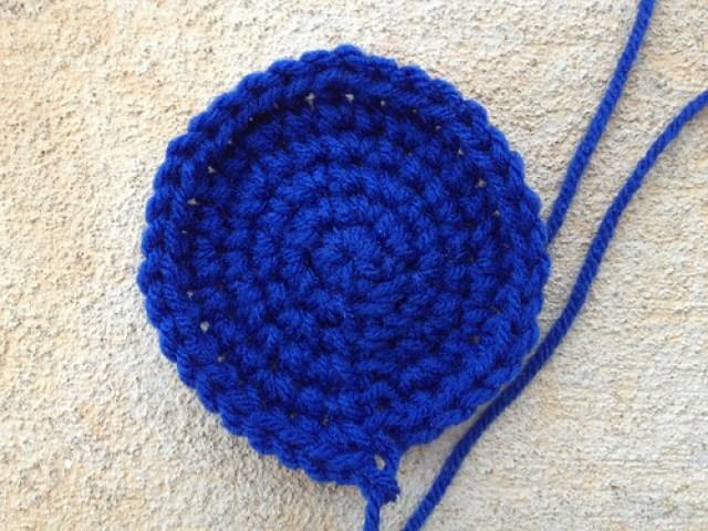 a crochet circle for a blue bird crochet hexagon