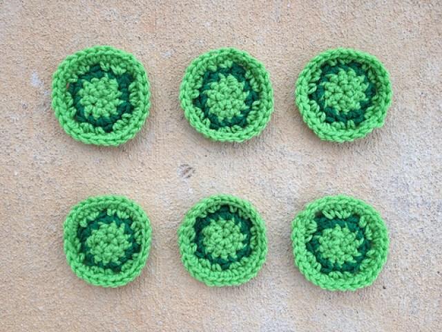 six crochet turtles, crochetbug, crochet hexagons, crochet afghan, crochet throw, crochet blanket, green, vert, verde
