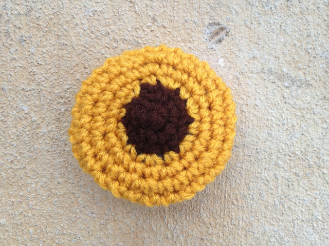 Peanut butter blossom crochet cookie for the cookie-dough-ku