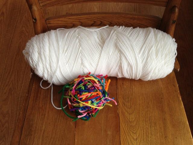 crochetbug, scrap yarn ball, tweeted crochet, crochet pet mat