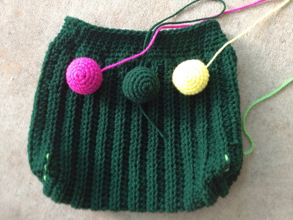 crochet purse with crochet spheres