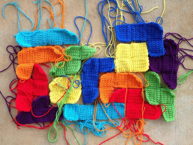 crochet tetriminoes for a crochet tetris blanket