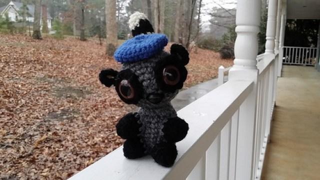 Coltrane the amigurumi lemur gets a beret