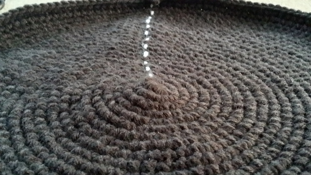 detail crochet circle crochet pet mat