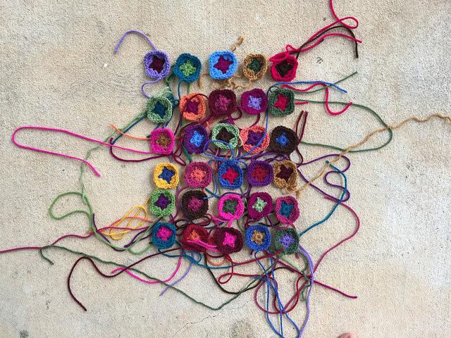 granny squares for a crochet bag handle