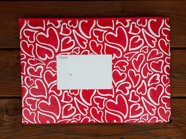 decorative mailing envelope