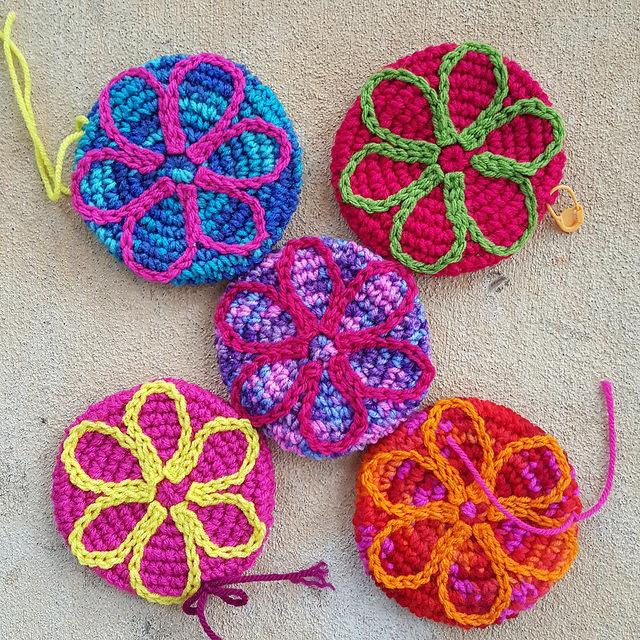 fiver crochet flowers
