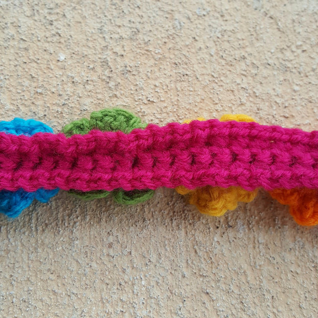 back of a crochet purse strap