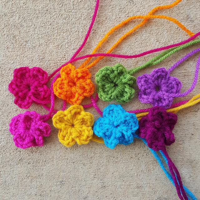 five petal crochet flowers, crochetbug, crochet purse, crochet tote, granny square purse, rainbow is a color