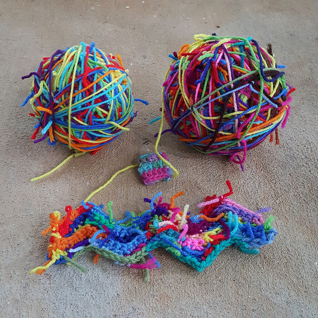 crochet ripple swatch, crochetbug, scrap yarn crochet, yarn scraps,