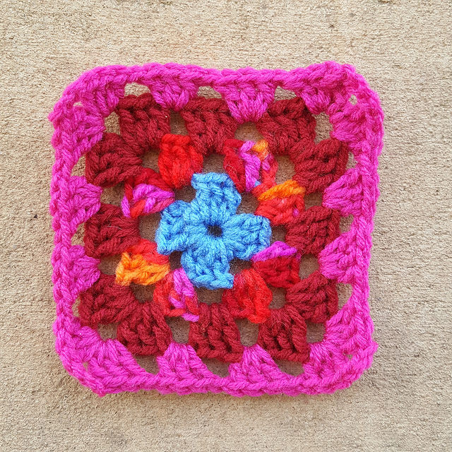 one scrap yarn four round granny square