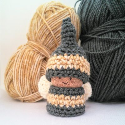 Crochet bee gnome - free crochet pattern