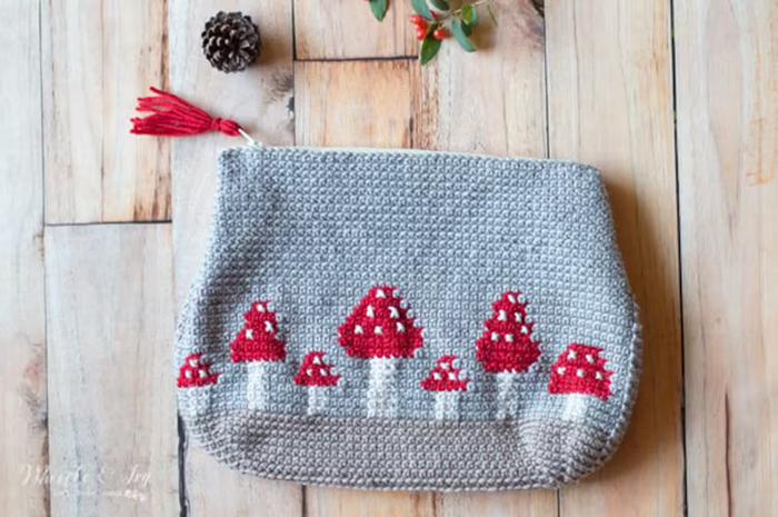 Mushroom Pouch Crochet Pattern