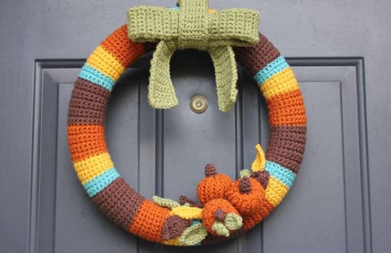 Free Crochet Pattern: Fall Wreath